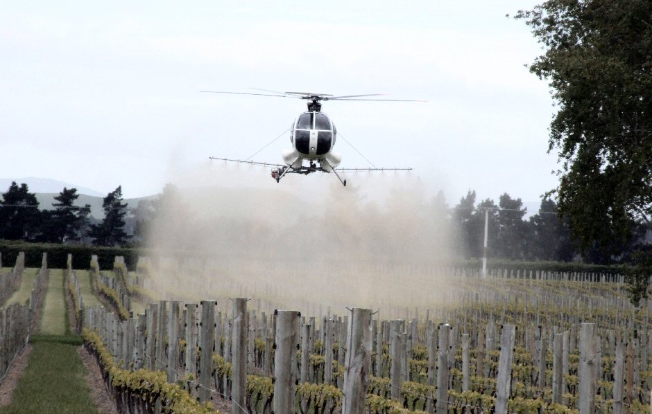 helicopter crop spraying with Wine Tonic Toxic on Korea Helicopter Kimuh 2000gs Unmanned 50019196552 additionally Search as well Us Lagging  mercial Uas Witnesses Tell Senate furthermore How Can Drones Be Used In Agriculture Or Pest Control furthermore Article 2e40685d 0c2d 5130 92d8 74bf375b8000.